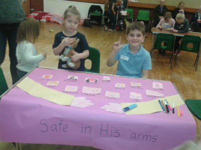 Messy Church Safe in His Arms