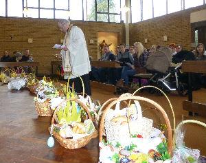 Baskets in full Church