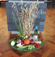 Harvest flowers Lectern Sep 15