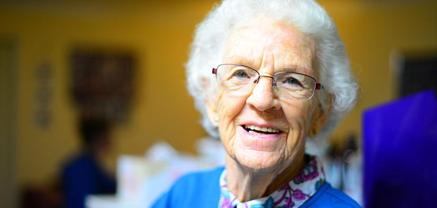 Cedrus House - Older lady